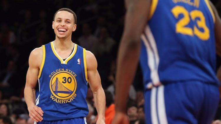 Stephen Curry'den yeni rekor!