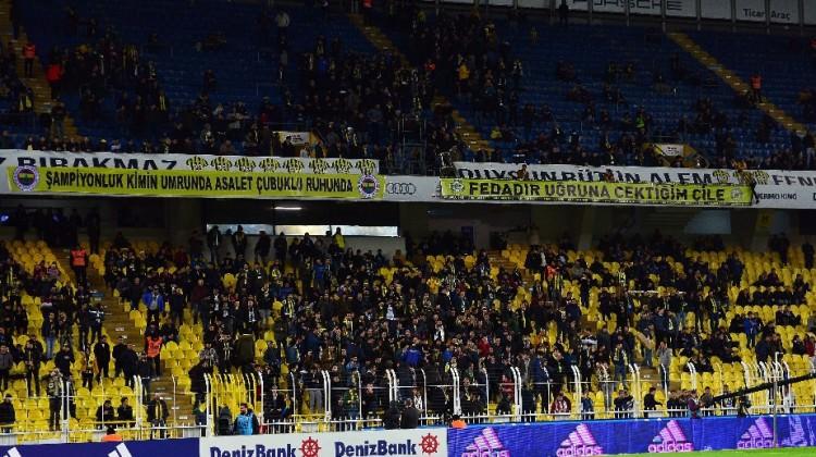 Fenerbahçe taraftarından ıslıklı protesto!