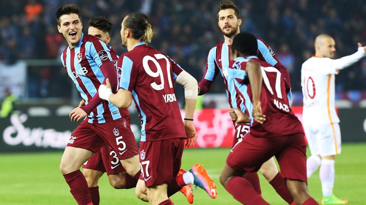 Galatasaray, Trabzon'da 'fırtına'ya kapıldı!