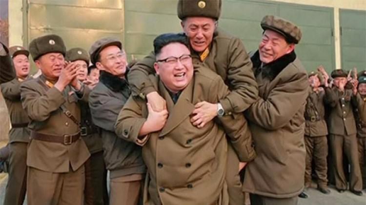 Kuzey Kore lideri Kim'in fotoğrafı olay oldu!