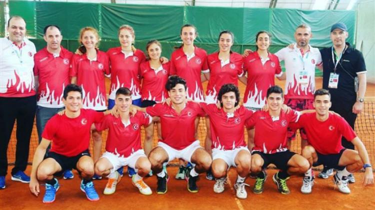 Türkiye, ISF Dünya Tenis Şampiyonası'nda Hem Erkeklerde Hem Kızlarda Şampiyonluğa Ulaştı