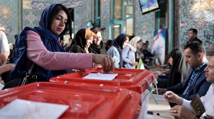 İran'da 40 milyondan fazla oy kullanıldı
