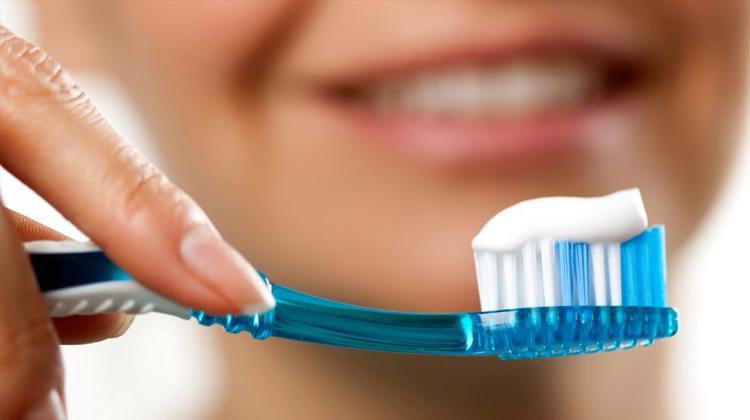 Ramazanda macun ile Diş Fırçalamak orucu bozar mı?