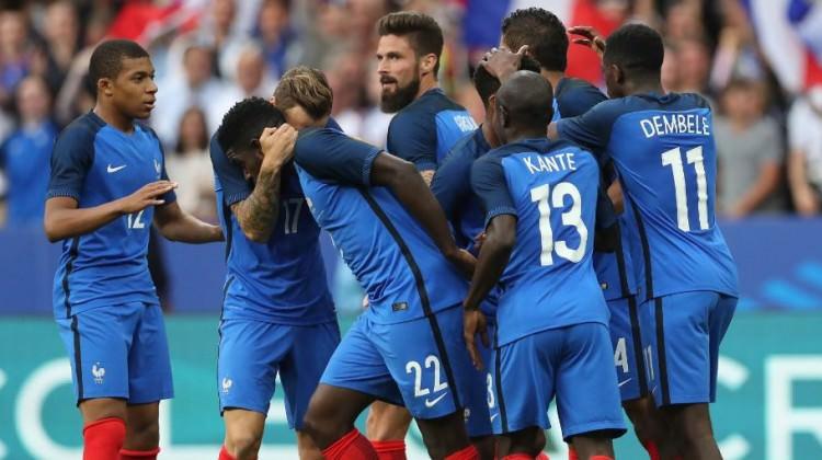 10 kişilik Fransa İngiltere'yı çarptı!