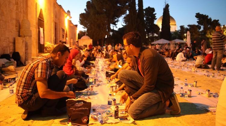 Ramazanın bereketi Mescid-i Aksa'ya taşındı!