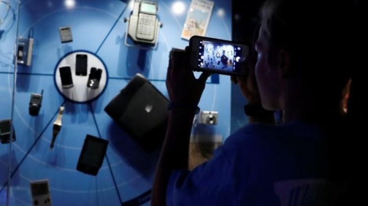 Dünyanın ilk pilsiz cep telefonunu yaptılar