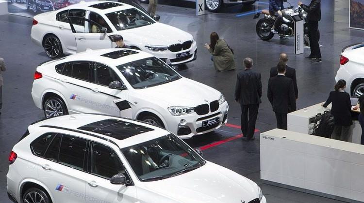 Lüks otomobil satışları frene bastı