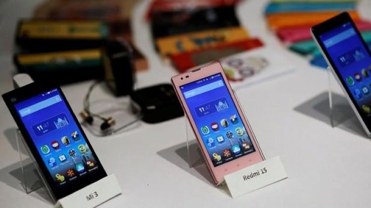 Apple ve Samsung'la rekabet için borçlandı