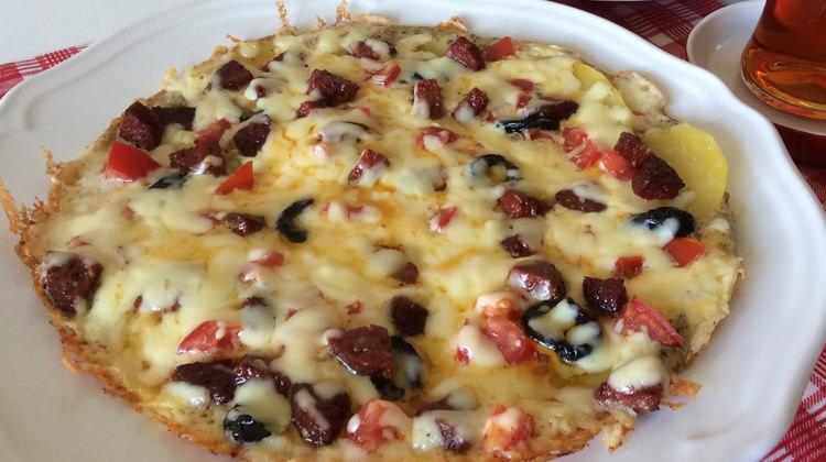 Patates Pizzası nasıl yapılır? Pratik tavada pizza tarifi