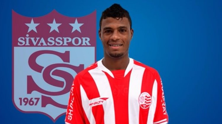Sivasspor, Dos Santos'a imzayı attırdı