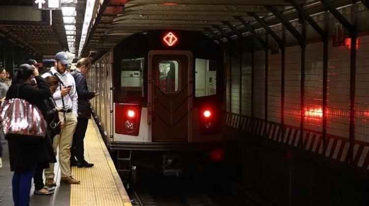 Metronun yenilenmesi için zenginlere vergi artışı