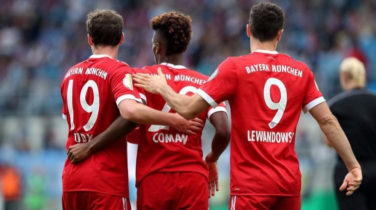 Bayern Münih kupada gol oldu yağdı!