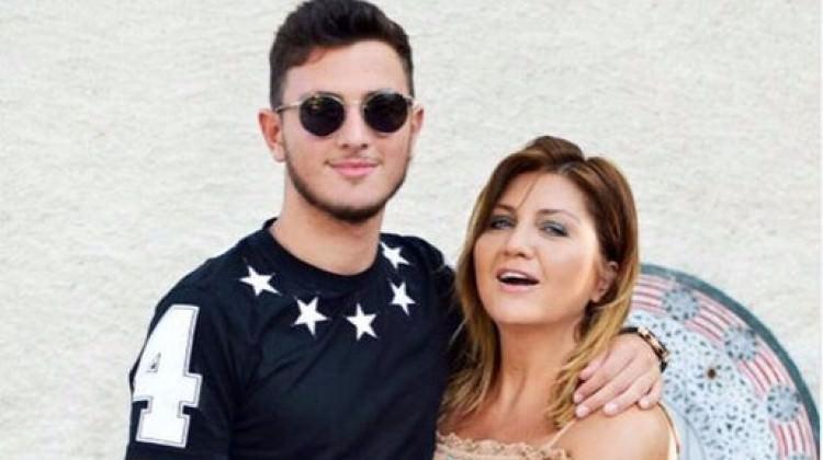 Sibel Can'ın oğlu annesinin boyunu geçti