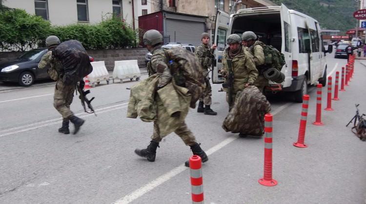 Trabzon ayakta, asker ve polis sıkıştırıyor