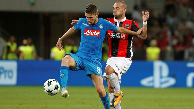Sneijderli Nice Napoli'ye diş geçiremedi!