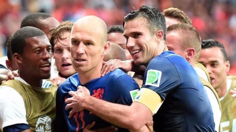 Van Persie kararı Robben'i şaşırttı!