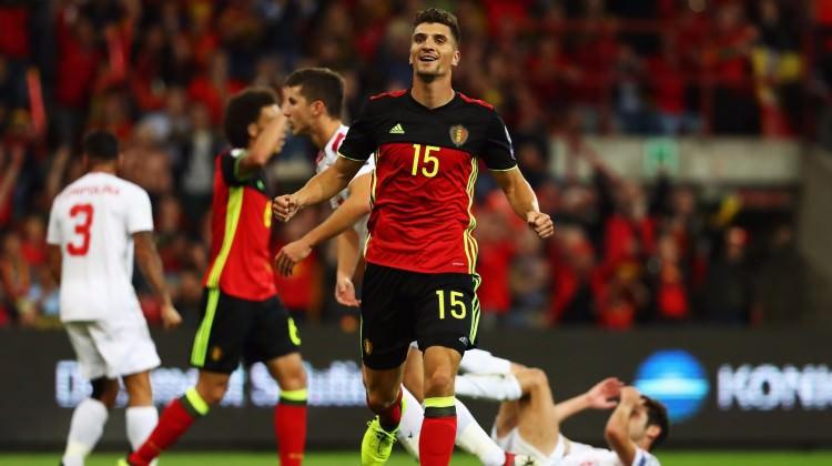Belçika 10 kişiyle gol olup yağdı: 9-0