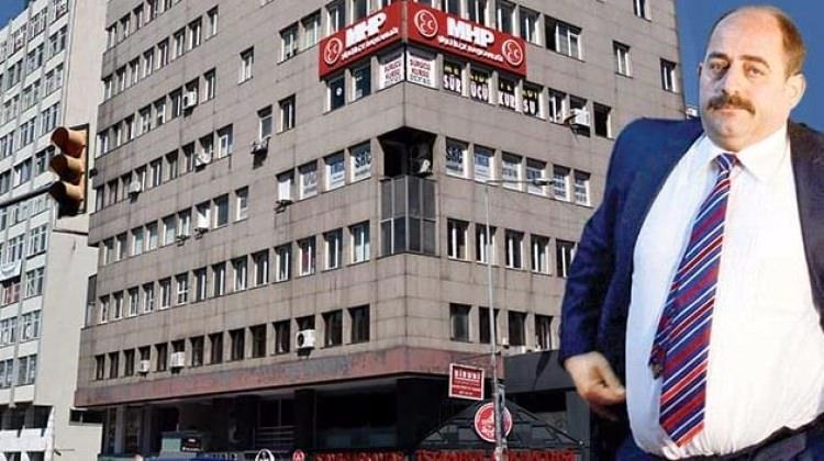 Zekeriya Öz'e 24 dükkan ve at tüyünden mont!