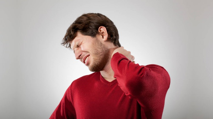 Boyun fıtığı neden olur? Boyun fıtığı belirtileri...
