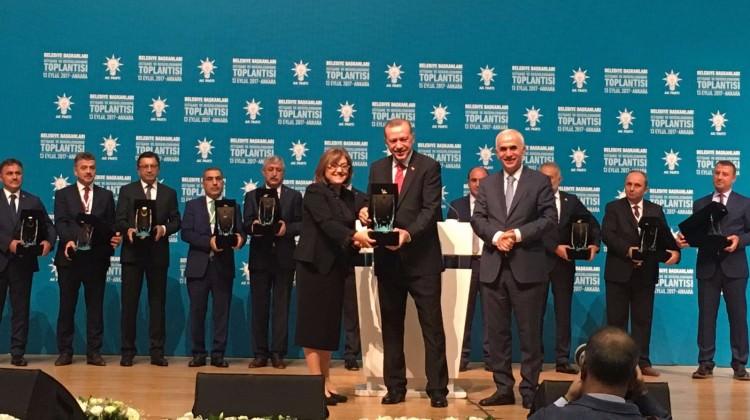 Gaziantep Büyükşehir'in sağlık projelerine ödül