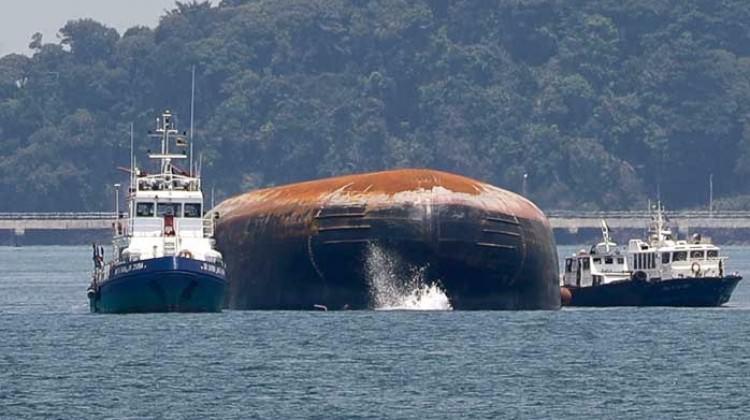 Singapur'da iki gemi çarpıştı! 2 ölü 3 kayıp