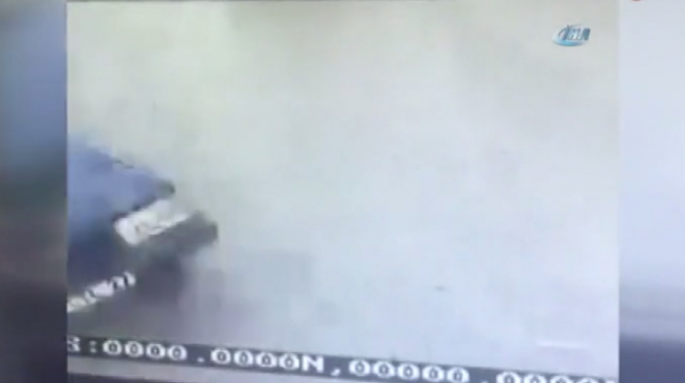 Kadıköy'deki feci kaza anı kamerada!