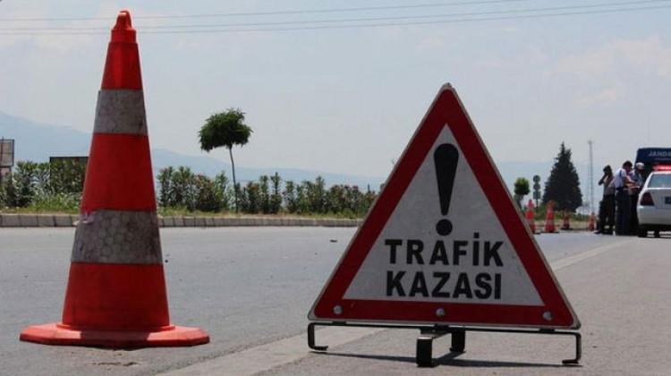 Trabzon'da otomobil uçuruma devrildi: 2 ölü