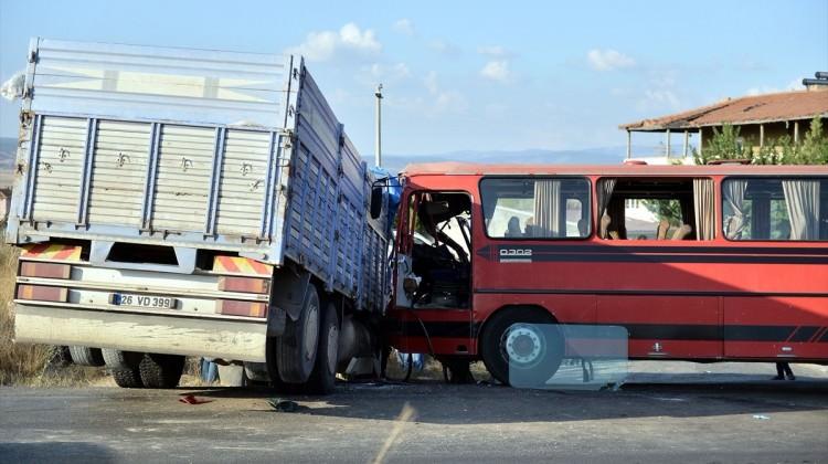 Cenazeden dönüyorlardı! Eskişehir'de feci kaza