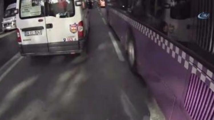 Dolmabahçe'de ilginç motosiklet kazası kamerada!