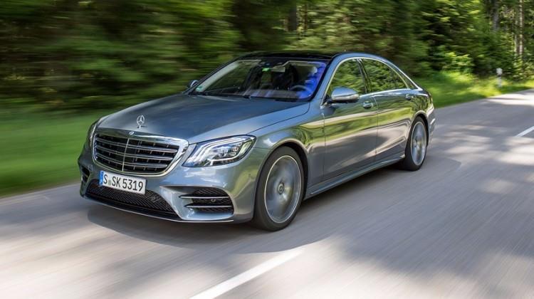 Mercedes Benz S Serisi yenilendi! İşte fiyatı...