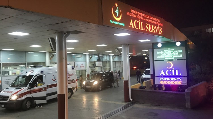 İzmir'de trafik kazası: 3 yaralı