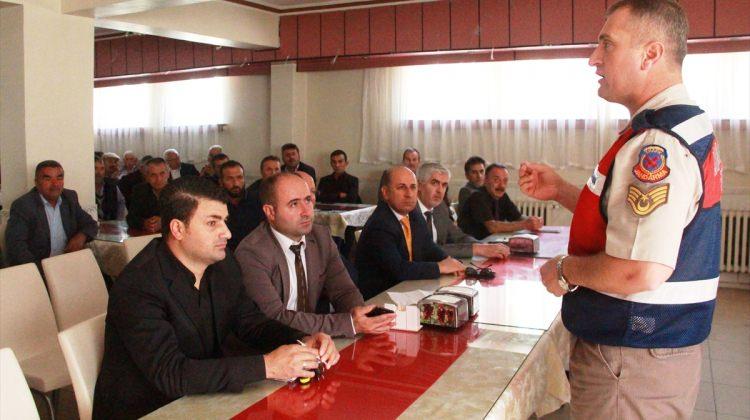 Taşova'da servis şoförlerine seminer