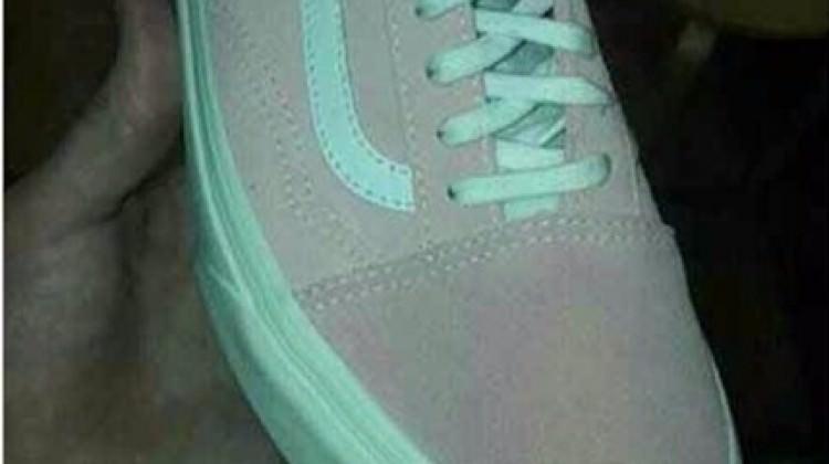 Spor ayakkabının rengi sosyal medyayı karıştırdı