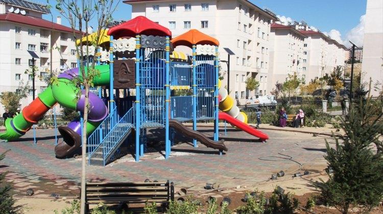 Edremit'te parklar yenileniyor