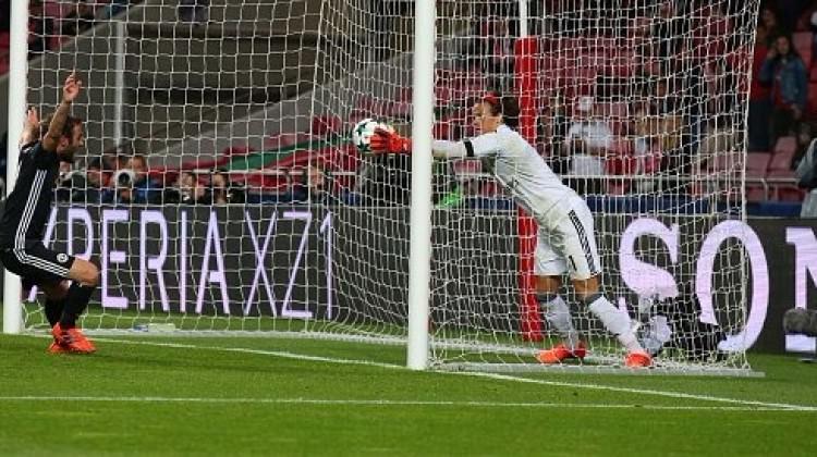 ManU'ya zaferi 'gol çizgisi' getirdi