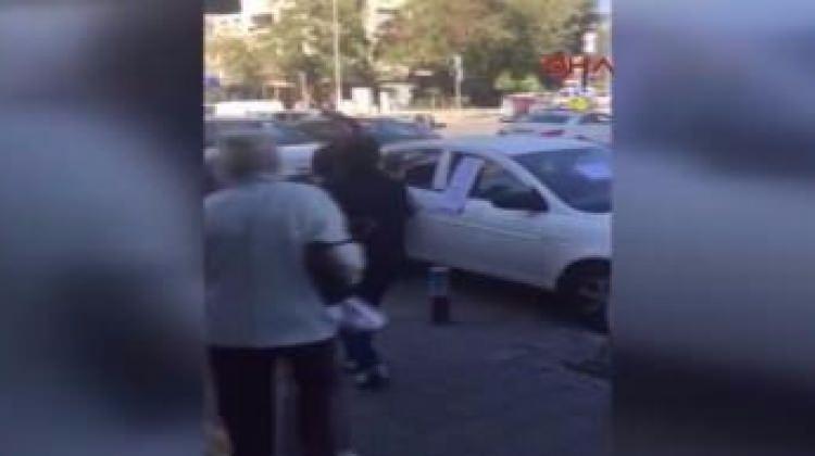 Yanlış yere park eden kadına şok tepki
