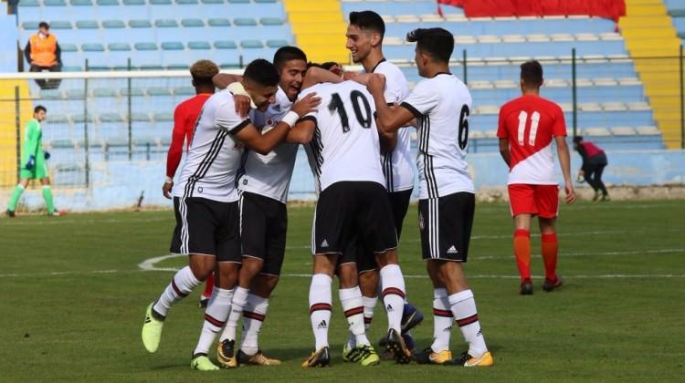 Beşiktaş ilk maçta Monaco'yu devirdi