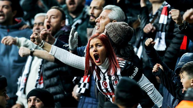 Beşiktaş taraftarı bakın ne sattıracak!
