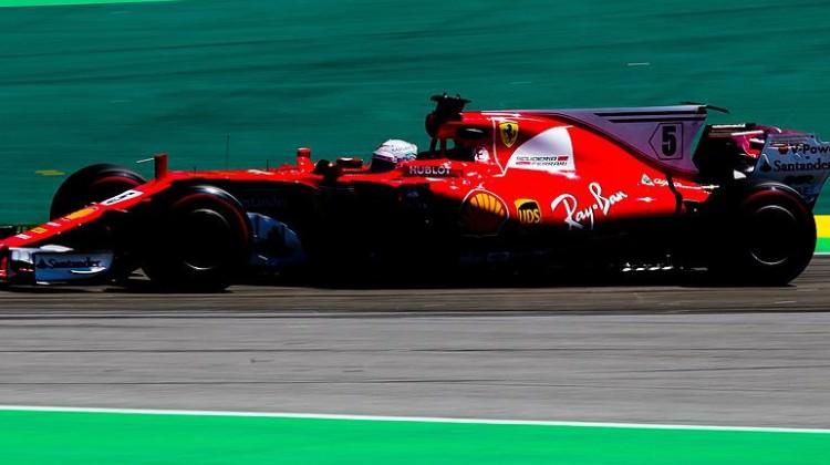 Brezilya'da kazanan Vettel