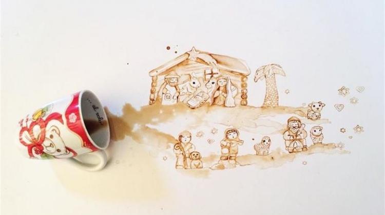 Kahve ve kaşıkla inanılmaz sanat