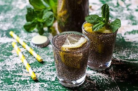 limon ve chia tohumlu içecek