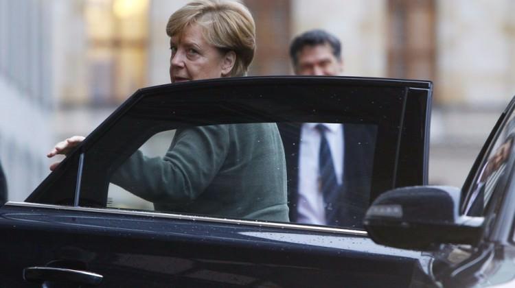 Merkel yine dara düştü! Bir şok daha