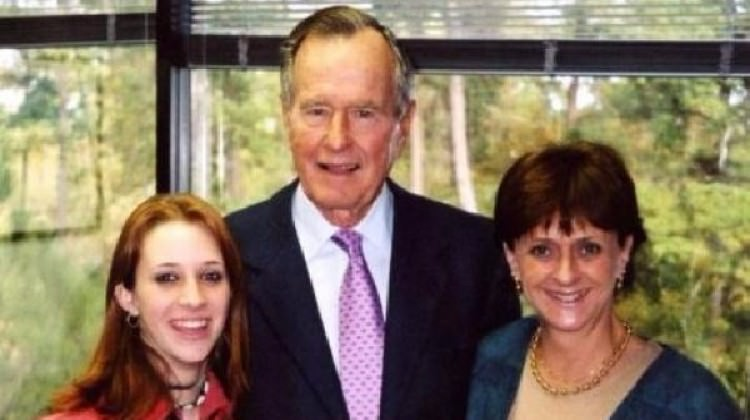 George HW Bush da cinsel tacizle suçlandı