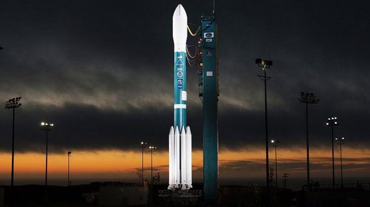 NASA meteoroloji uydusunu uzaya fırlattı