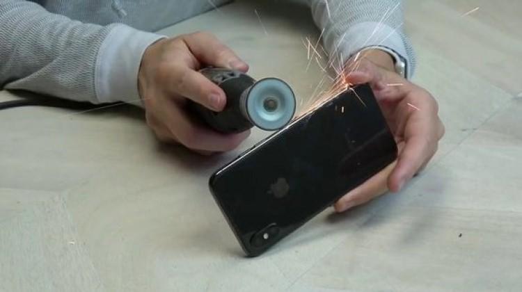 6 bin liralık iPhone X'i parçaladılar