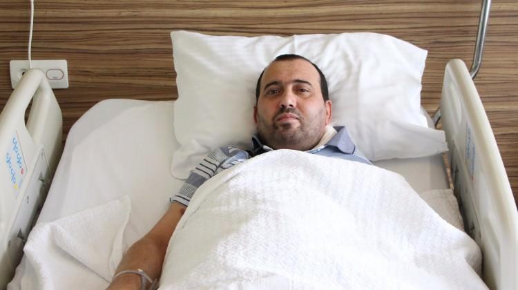 Boynundaki 8 kiloluk tümörden Türkiye'de kurtuldu