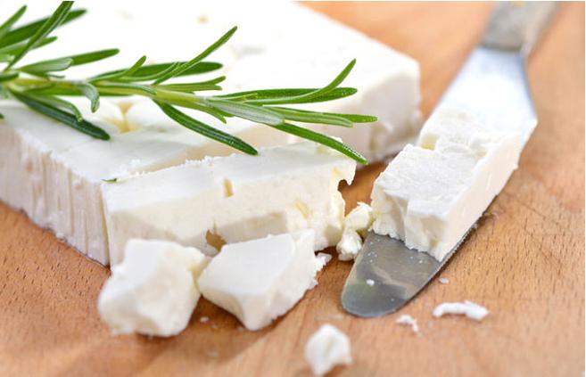 Beyaz peynirin faydaları Her gün bir kibrit kutusu peynir