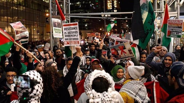 Binlerce kişi Kudüs kararını protesto etti