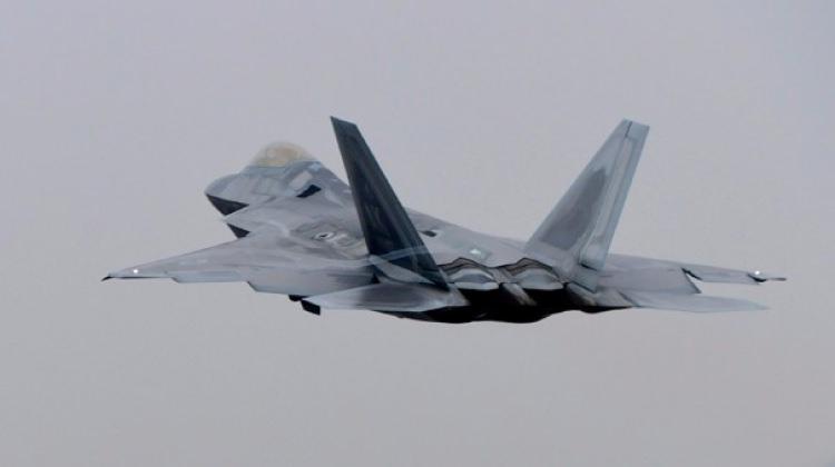 Kuzey Kore tetikte, yüzlerce uçak gökyüzünde...