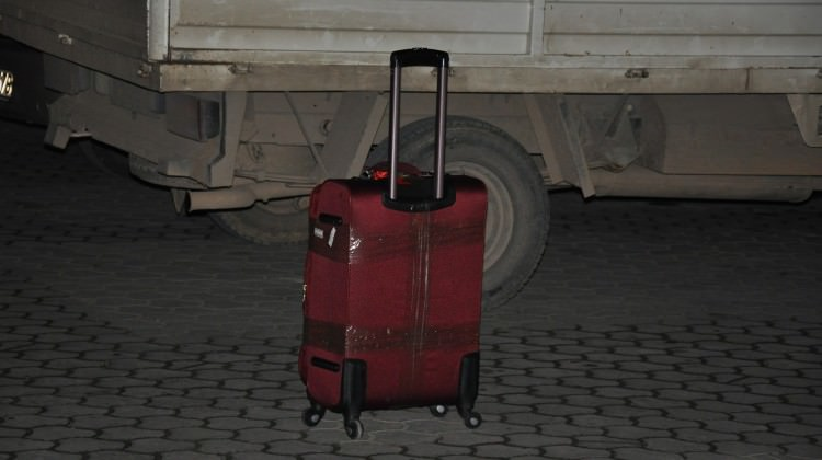 Şüpheli bavulu imha edilmeden yetişti
